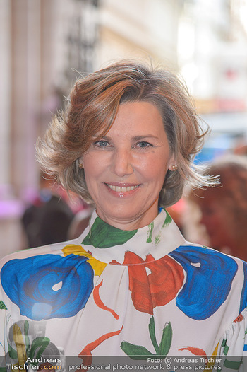 LifeBall 2018 - Red Carpet - Rathaus - Sa 02.06.2018 - Desiree TREICHL-ST�RGKH (Portrait)16