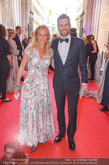 LifeBall 2018 - Red Carpet - Rathaus - Sa 02.06.2018 - Kathi ZECHNER, Christoph FEUERSTEIN22