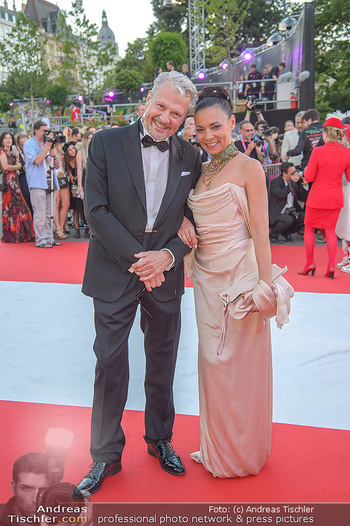LifeBall 2018 - Red Carpet - Rathaus - Sa 02.06.2018 - Herbert F�TTINGER, Sandra CERVIK50