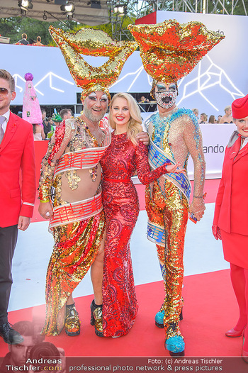 LifeBall 2018 - Red Carpet - Rathaus - Sa 02.06.2018 - Silvia SCHNEIDER61