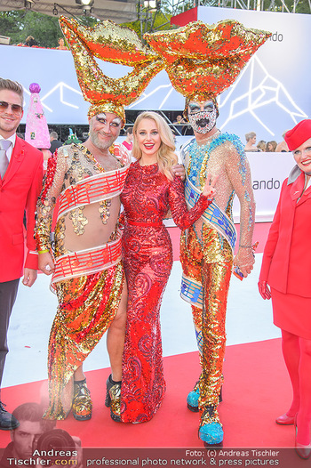 LifeBall 2018 - Red Carpet - Rathaus - Sa 02.06.2018 - Silvia SCHNEIDER62