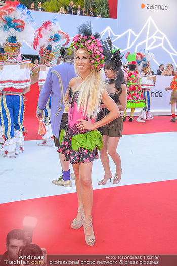 LifeBall 2018 - Red Carpet - Rathaus - Sa 02.06.2018 - Yvonne RUEFF66