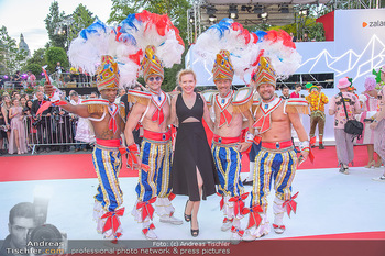 LifeBall 2018 - Red Carpet - Rathaus - Sa 02.06.2018 - Sunnyi MELLES mit anderen G�STEN69