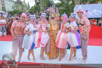 LifeBall 2018 - Red Carpet - Rathaus - Sa 02.06.2018 - Gruppe Str�ck70