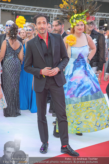 LifeBall 2018 - Red Carpet - Rathaus - Sa 02.06.2018 - Adrien BRODY82