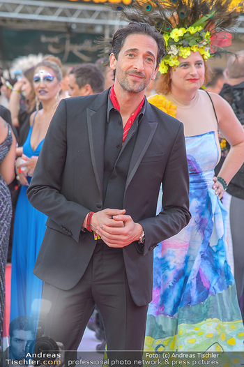 LifeBall 2018 - Red Carpet - Rathaus - Sa 02.06.2018 - Adrien BRODY83