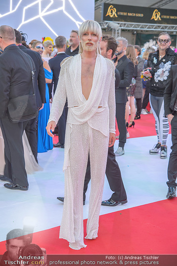 LifeBall 2018 - Red Carpet - Rathaus - Sa 02.06.2018 - Conchita (Wurst)86