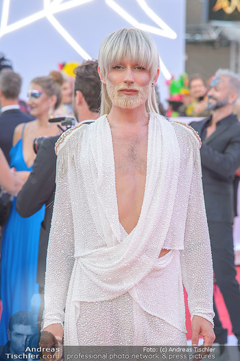 LifeBall 2018 - Red Carpet - Rathaus - Sa 02.06.2018 - Conchita (Wurst)88