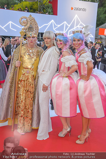 LifeBall 2018 - Red Carpet - Rathaus - Sa 02.06.2018 - Conchita (Wurst)89