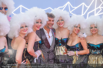 LifeBall 2018 - Red Carpet - Rathaus - Sa 02.06.2018 - Jonas KAUFMANN91