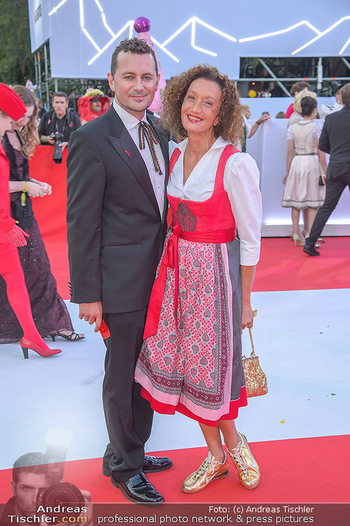 LifeBall 2018 - Red Carpet - Rathaus - Sa 02.06.2018 - 100