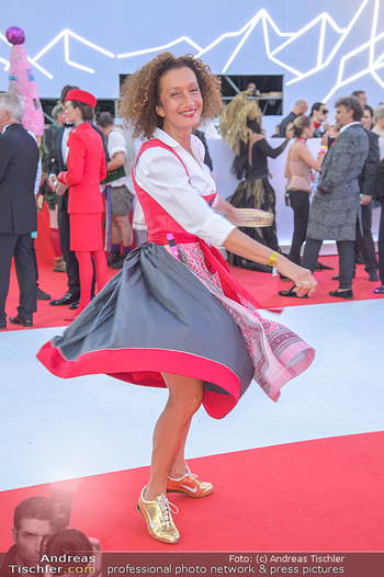 LifeBall 2018 - Red Carpet - Rathaus - Sa 02.06.2018 - Konstanze BREITEBNER102