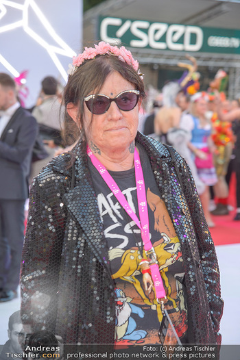 LifeBall 2018 - Red Carpet - Rathaus - Sa 02.06.2018 - Marianne KOHN103