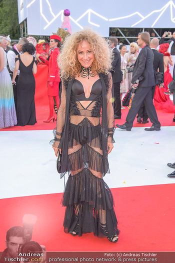 LifeBall 2018 - Red Carpet - Rathaus - Sa 02.06.2018 - Sandra PIRES104