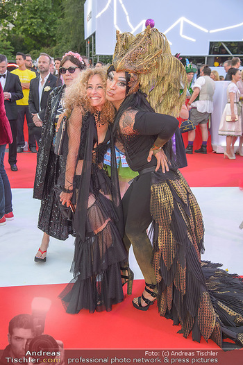 LifeBall 2018 - Red Carpet - Rathaus - Sa 02.06.2018 - Sandra PIRES105