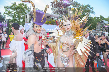 LifeBall 2018 - Red Carpet - Rathaus - Sa 02.06.2018 - auff�llige G�ste111