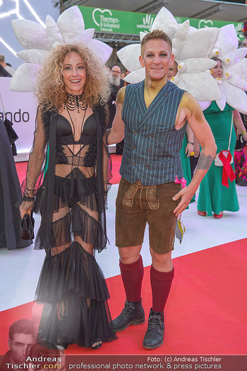 LifeBall 2018 - Red Carpet - Rathaus - Sa 02.06.2018 - Sandra PIRES, Andi KNOLL125