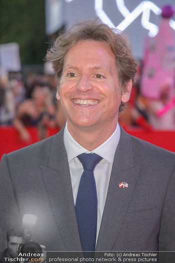 LifeBall 2018 - Red Carpet - Rathaus - Sa 02.06.2018 - Trevor D. TRAINA (Portrait)143