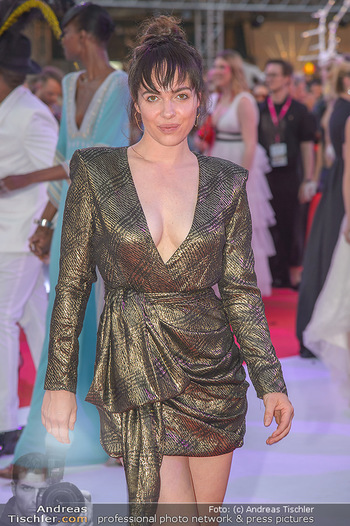 LifeBall 2018 - Red Carpet - Rathaus - Sa 02.06.2018 - Verena ALTENBERGER150
