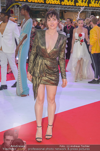 LifeBall 2018 - Red Carpet - Rathaus - Sa 02.06.2018 - Verena ALTENBERGER151