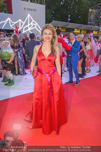 LifeBall 2018 - Red Carpet - Rathaus - Sa 02.06.2018 - Amra BERGMANN166
