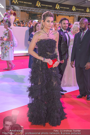LifeBall 2018 - Red Carpet - Rathaus - Sa 02.06.2018 - Paris JACKSON183