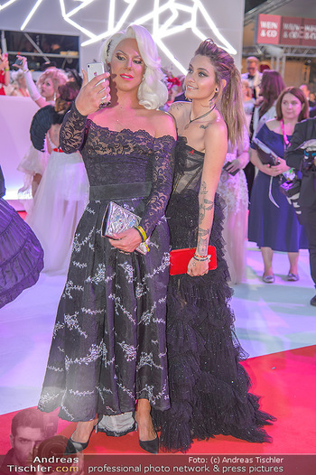 LifeBall 2018 - Red Carpet - Rathaus - Sa 02.06.2018 - Paris JACKSON185