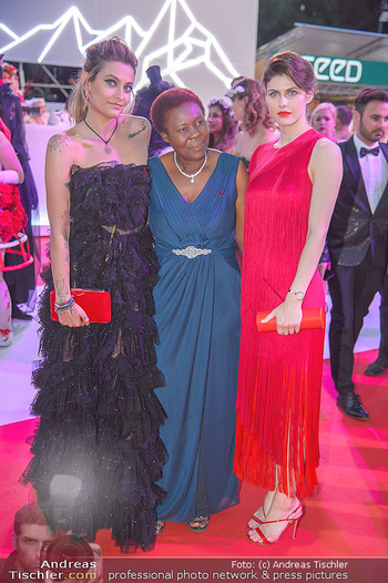 LifeBall 2018 - Red Carpet - Rathaus - Sa 02.06.2018 - Paris JACKSON, Alexandra DADDARIO187