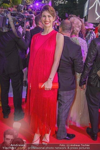 LifeBall 2018 - Red Carpet - Rathaus - Sa 02.06.2018 - Alexandra DADDARIO192