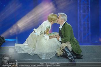 Lifeball 2018 - Eröffnung - Rathaus - Sa 02.06.2018 - Herbert F�TTINGER, Conchita (Wurst),Kussfotos, Hochzeit117