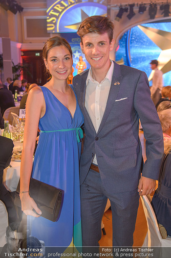 emba Awards 2018 - Casino Baden - Di 05.06.2018 - Patrick KONRAD mit Freundin Klara98
