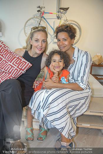 Modepalast Opening - Post am Rochus - Mi 06.06.2018 - Lilian KLEBOW, Rebecca HORNER mit Tochter Ruby10