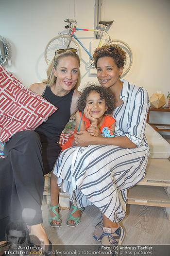 Modepalast Opening - Post am Rochus - Mi 06.06.2018 - Lilian KLEBOW, Rebecca HORNER mit Tochter Ruby11