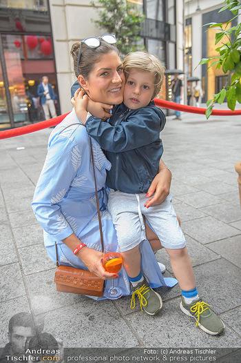 400 Jahre Schwarzes Kameel mit Campari - Zum schwarzen Kameel - Mi 06.06.2018 - Anna HUBER mit Sohn Frederick (Cookie)21