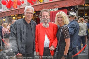 400 Jahre Schwarzes Kameel mit Campari - Zum schwarzen Kameel - Mi 06.06.2018 - Toni POLSTER mit Freundin Birgit, Johann Georg GENSBICHLER50