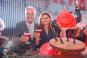 400 Jahre Schwarzes Kameel mit Campari - Zum schwarzen Kameel - Mi 06.06.2018 - Peter und Christina FRIESE mit Geburtstagstorte90