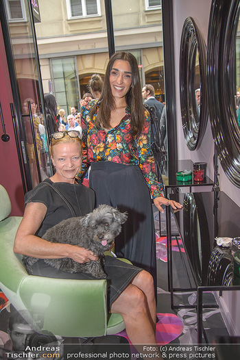 Opening - Brow and Lash Bar - Do 07.06.2018 - Michou FRIESZ  mit Hund Ella, Alma MILCIC34