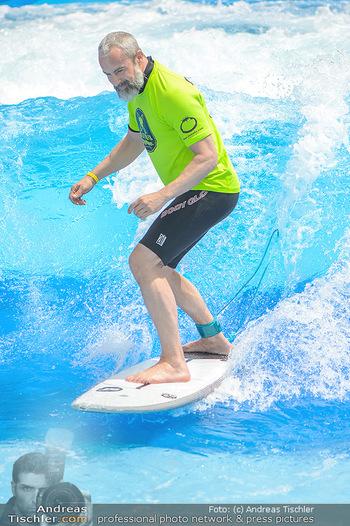 Saisonstart - CityWave SCS Multiplex - Fr 08.06.2018 - Gedeon BURKHARD beim Surfen, Surfbrett, Wellenreiten58