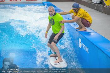 Saisonstart - CityWave SCS Multiplex - Fr 08.06.2018 - Gedeon BURKHARD beim Surfen, Surfbrett, Wellenreiten61