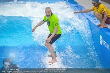 Saisonstart - CityWave SCS Multiplex - Fr 08.06.2018 - Gedeon BURKHARD beim Surfen, Surfbrett, Wellenreiten62