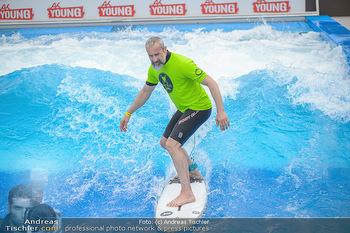 Saisonstart - CityWave SCS Multiplex - Fr 08.06.2018 - Gedeon BURKHARD beim Surfen, Surfbrett, Wellenreiten63