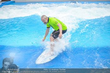 Saisonstart - CityWave SCS Multiplex - Fr 08.06.2018 - Gedeon BURKHARD beim Surfen, Surfbrett, Wellenreiten64