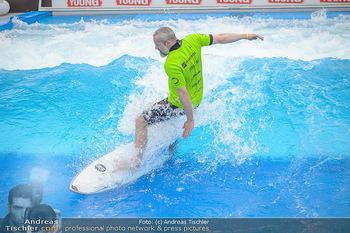 Saisonstart - CityWave SCS Multiplex - Fr 08.06.2018 - Gedeon BURKHARD beim Surfen, Surfbrett, Wellenreiten65