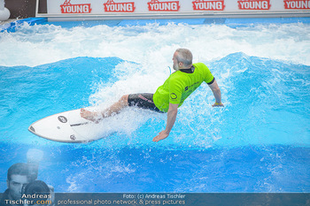 Saisonstart - CityWave SCS Multiplex - Fr 08.06.2018 - Gedeon BURKHARD beim Surfen, Surfbrett, Wellenreiten66