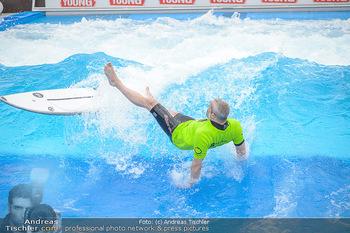 Saisonstart - CityWave SCS Multiplex - Fr 08.06.2018 - Gedeon BURKHARD beim Surfen, Surfbrett, Wellenreiten67