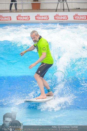 Saisonstart - CityWave SCS Multiplex - Fr 08.06.2018 - Gedeon BURKHARD beim Surfen, Surfbrett, Wellenreiten69