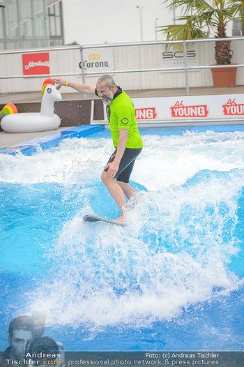 Saisonstart - CityWave SCS Multiplex - Fr 08.06.2018 - Gedeon BURKHARD beim Surfen, Surfbrett, Wellenreiten70