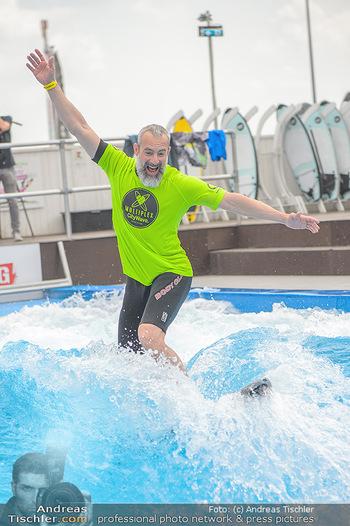 Saisonstart - CityWave SCS Multiplex - Fr 08.06.2018 - Gedeon BURKHARD beim Surfen, Surfbrett, Wellenreiten81