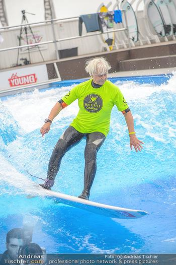 Saisonstart - CityWave SCS Multiplex - Fr 08.06.2018 - Susi KIMASCHEWSKI beim Surfen, Surfbrett, Wellenreiten87