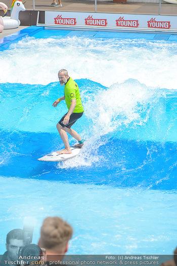 Saisonstart - CityWave SCS Multiplex - Fr 08.06.2018 - Gedeon BURKHARD beim Surfen, Surfbrett, Wellenreiten106